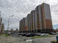 Огромная парковка у дома ул. Токарева 4