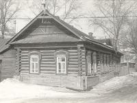 Дом на перекрестке ул. Заводская, 10 и Герцена, 2