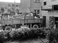 Переезд.Заселяется первый подъезд дома по ул.Парковая, 19. 1980-е. Начало.