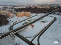 Автомобильная развязка на улице Фучика - Вид сверху зимой