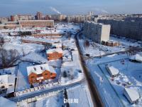 Вид сверху на улицу Надежды зимой