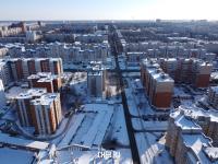 Вид сверху на улицу Эльгера