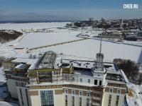 Вид на чебоксарский залив зимой с крыши строящегося отеля