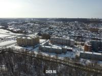 Вид сверху на район улицы Короленко зимой