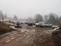 Грязная парковка для жителей микрорайона Радужный