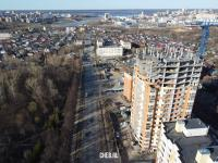 Вид на улицу Богдана Хмельницкого с новой высоткой