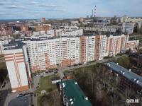 Вид на ул. Маршака 8к1 и ул. Гагарина 23