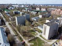 Вид сверху на общежития на улицу Урукова