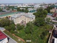 Вид сверху на двор ул. Петрова 2