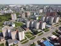 Вид сверху на дома по улице Мате Залка