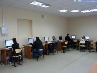 Группа ЭК-62-07 на практическом занятии в лаборатории Е-211 ИВЦ ЧГУ
