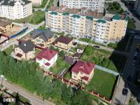 Вид на коттеджи на улице Кочетова