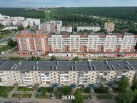 Вид сверху на дома по улице Энтузиастов