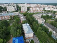 Вид сверху на дома по улице Максимова