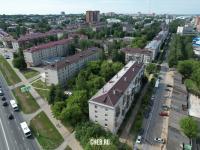 Вид сверху на пятиэтажки и Молодежный переулок