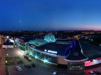 Сферическая панорама: ТРЦ Каскад и гипермаркет Карусель вечером