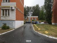 Проезд между домов ул. Пирогова 4к2 и 4к1