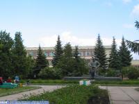 Национальная библиотека, вид спереди