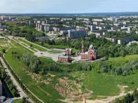 Вид сверху на район вокруг Владимирского храма