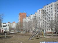 Двор дома 13 по ул. Гузовского