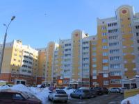 Двор дома 2 по ул. Ермолаева