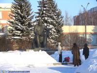 Памятник И. Яковлеву