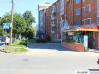 Площадка перед магазином