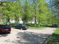 Парковка возле дома 4 на улице Советской
