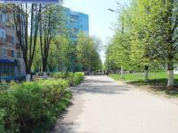 Пешеходная дорожка на улице Винокурова