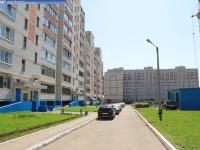 Двор дома 12 на улице Строителей