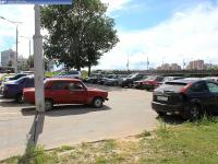 Автомобильная парковка возле Дома мод