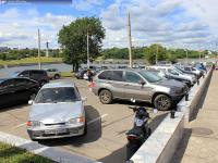 Автомобильная парковка Дома мод