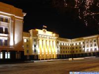 Дом правительства вечером