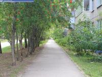 Пешеходная дорожка на улице Эльгера