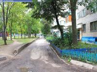 Двор дома 13 на улице Совхозной
